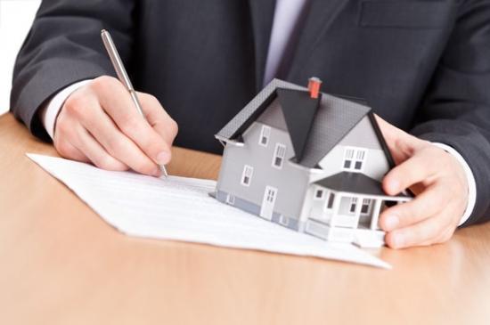 Investissement et accompagnement d'un avocat de droit immobilier à Cannes