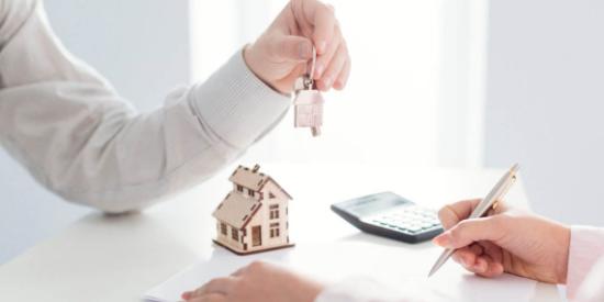 Vendre sa maison : avec ou sans agence ?